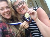 Swimrun med mamma. Vi vann en medalj, som alla andra fick också haha.